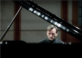 斯蒂芬·霍夫钢琴独奏音乐会