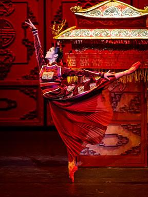 中国国家芭蕾舞团《大红灯笼高高挂》