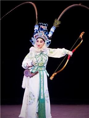 京剧《春日宴》
