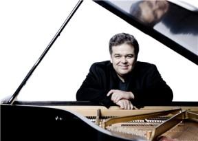 阿卡迪·瓦洛多斯钢琴独奏音乐会